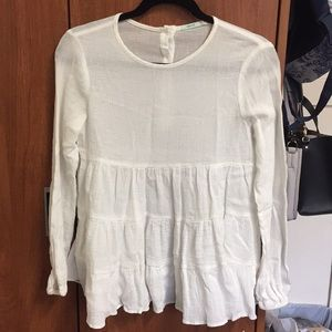 Cute flowy white blouse, perfect condition